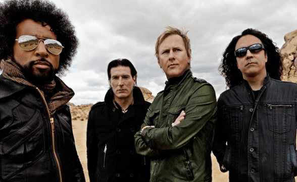 Alice In Chains invita a fan a tocar con ellos en un concierto
