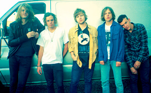 "Nuevo video de Cage The Elephant: ""Come A Little Closer"""