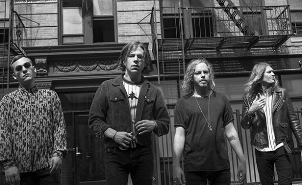 "Cage The Elephant anuncia nuevo disco en vivo y publica primer adelanto: ""Whole Wide World"""
