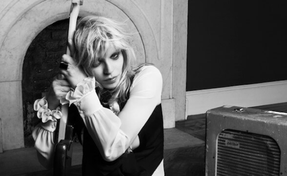 "Nueva canción de Courtney Love: ""You Know My Name"""