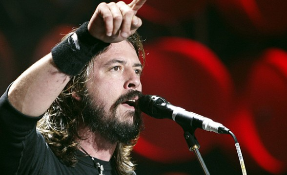 Foo Fighters está a medio camino de terminar su nuevo disco