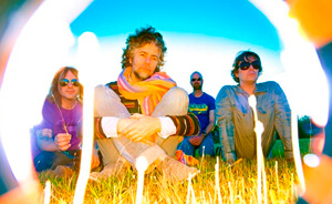 Mira el video de The Flaming Lips con Bon Iver