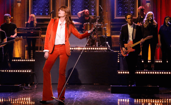 """Florence + The Machine presentó """"Ship To Wreck"""" en The Tonight Show"""