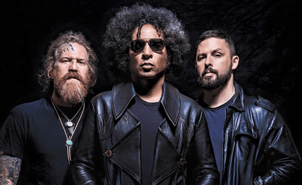 "Nuevo video de Giraffe Tongue Orchestra: ""Blood Moon"""