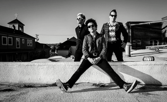 "Green Day tocó ""Still Breathing"" en Corden"