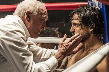 hands-of-stone-02