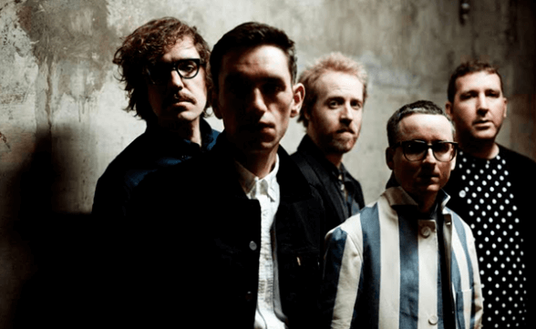 """Nuevo video y covers de Hot Chip: """"Dancing In The Dark / All My Friends"""""""