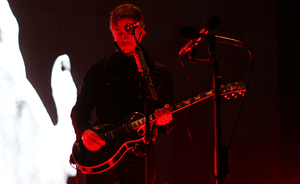 INTERPOL LOLLAPALOOZA CHILE 2015 FRONTAL