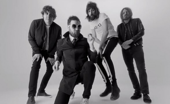 "Registro en vivo interactivo en 360° de Kasabian tocando ""Club Foot"""