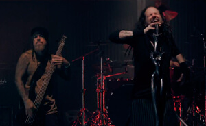 "Nuevo video de Korn: ""Love & Meth"""