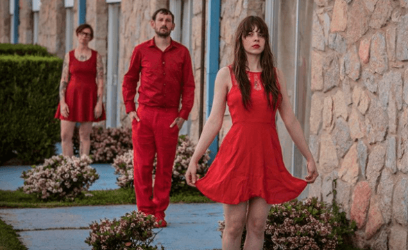 "Nueva canción de Le Butcherettes: ""My Mother Holds My Only Life Line"""
