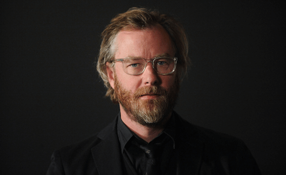 "Matt Berninger canta ""The Rains Of Castamere"" junto a la orquesta sinfónica de Game Of Thrones"