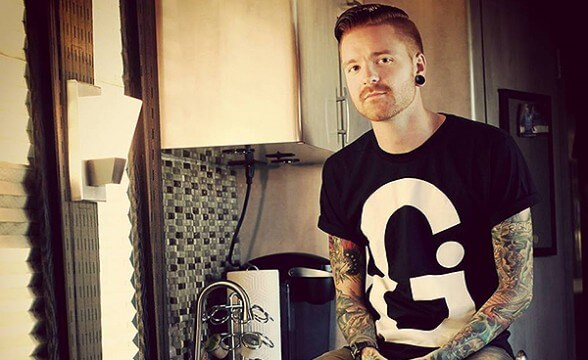 Matty Mullins invita a concierto de Memphis May Fire en Chile