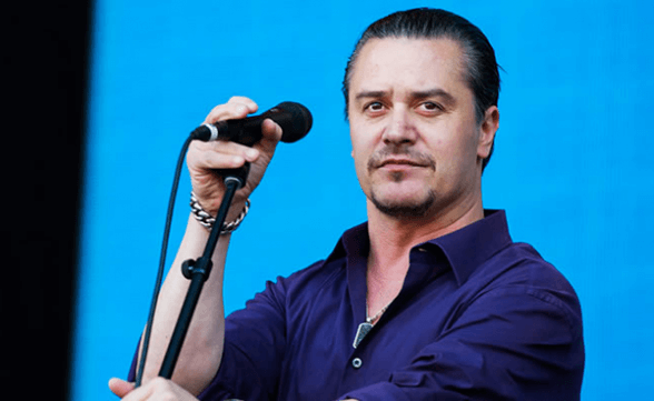 Mike Patton sufre accidente automovilístico y Dead Cross cancela show