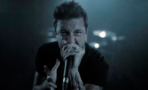 "Nuevo video de Of Mice & Men: ""Identity Disorder"""