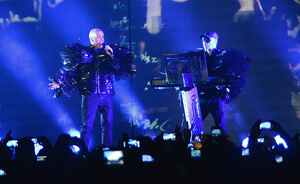 PET SHOP BOYS CHILE 2013 FRONTAL