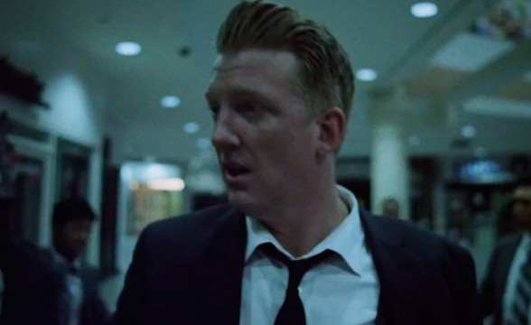 "Nuevo video de Queens Of The Stone Age: ""Smooth Sailing"""