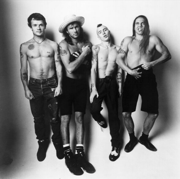 RED HOT CHILI PEPPERS 01