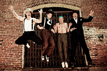 RED HOT CHILI PEPPERS 02