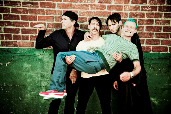 RED HOT CHILI PEPPERS 03