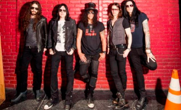 "Nuevo single de Slash: ""World On Fire"""