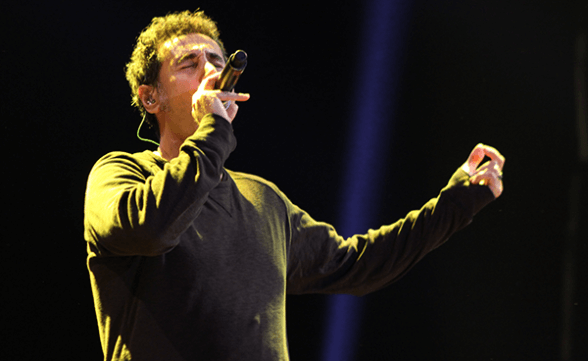 "Serj Tankian se une a orquesta sinfónica de Game Of Thrones para cantar ""The Rains Of Castamere"""