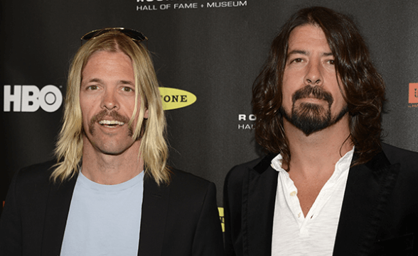 """Dave Grohl y Taylor Hawkins realizan cover de Rush: """"Overture"""""""