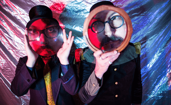 "The Claypool Lennon Delirium toca ""Breath Of A Salesman"" en Corden"