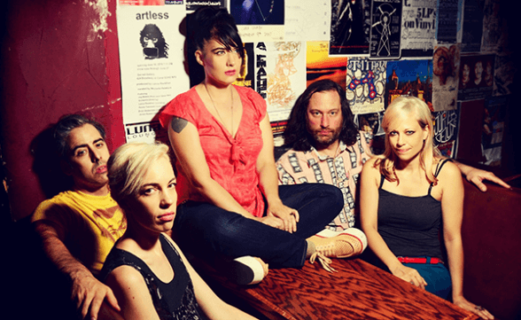 "Nuevo video de The Julie Ruin: ""I'm Done"""