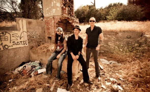 "Nuevo video de The Winery Dogs: ""I'm No Angel"""