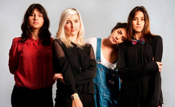 "Warpaint tocó ""Love Is To Die"" en Conan"
