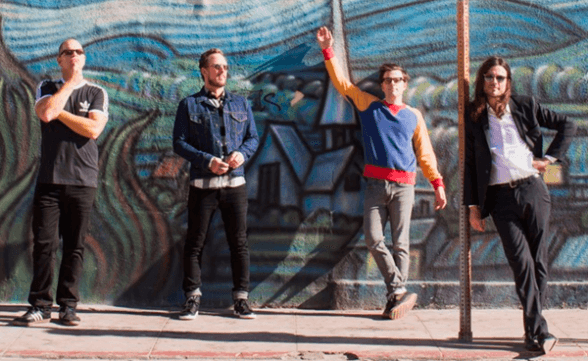 "Nuevo video de Weezer: ""Feels Like Summer"""