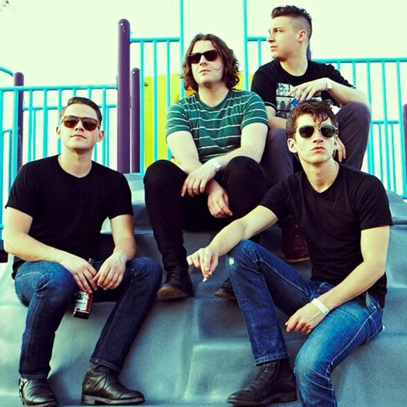 ARCTIC MONKEYS 01