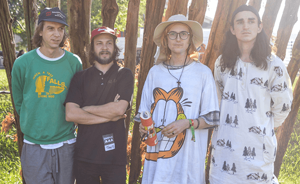 "Registro acústico de DIIV haciendo cover de Cat Power: ""Nude As The News"""