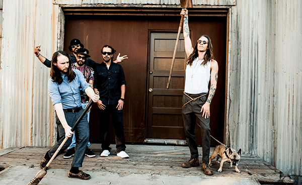 """Incubus tocó """"State Of The Art"""" en Conan"""