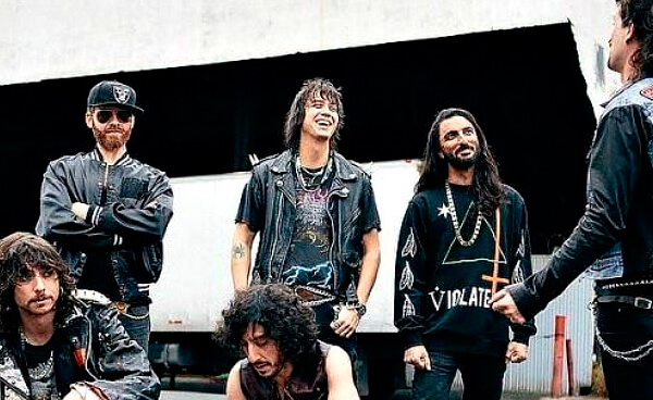 Julian Casablancas + The Voidz tocaron dos canciones en la TV francesa