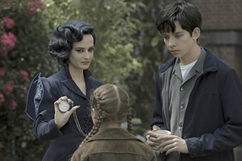 miss-peregrines-home-for-peculiar-children-03