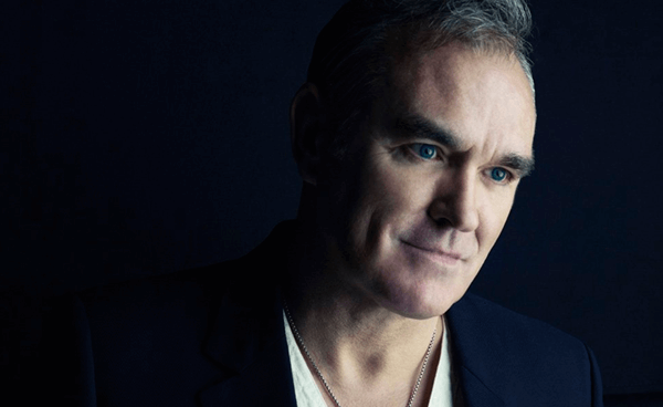 """Morrissey presentó """"Kiss Me A Lot"""" en The Late Late Show With James Corden"""