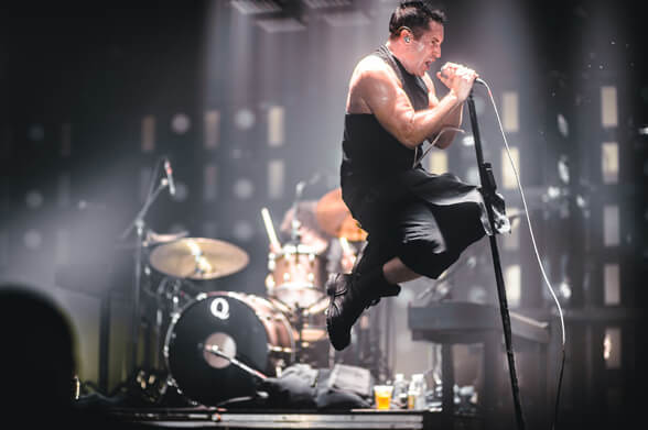"Registro de Nine Inch Nails en Australia: ""March Of The Pigs"""