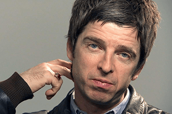 NOEL GALLAGHER'S HIGH FLYING BIRDS 01