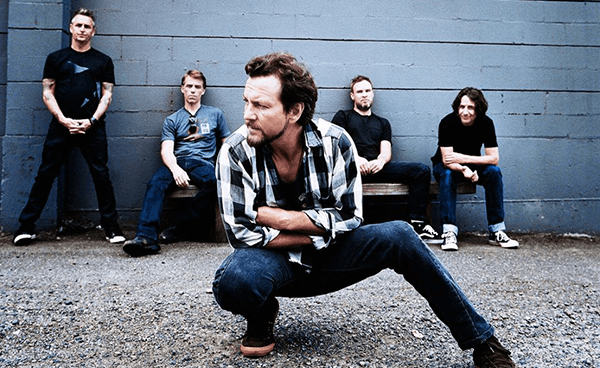 "Pearl Jam tocó ""Mind Your Manners"" en Late Show With Stephen Colbert"