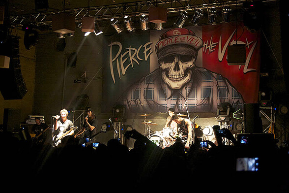 PIERCE THE VEIL CHILE 2013 01
