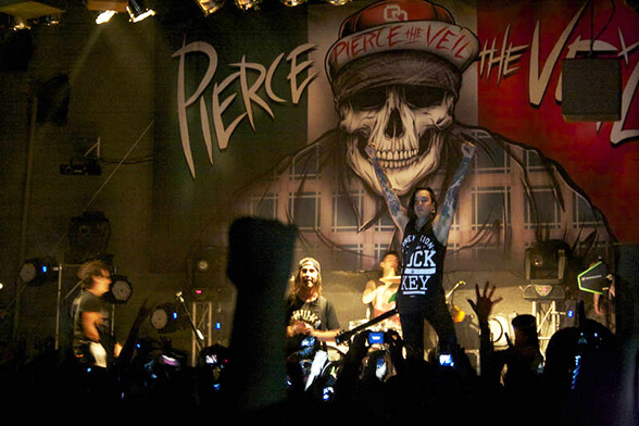 PIERCE THE VEIL CHILE 2013 05