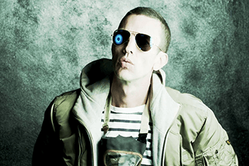 RICHARD ASHCROFT 01