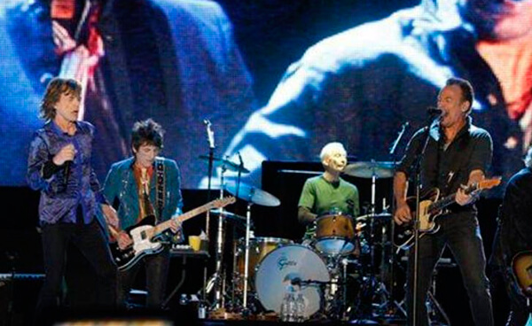 """Bruce Springsteen se une a Rolling Stones para tocar """"Tumbling Dice"""""""