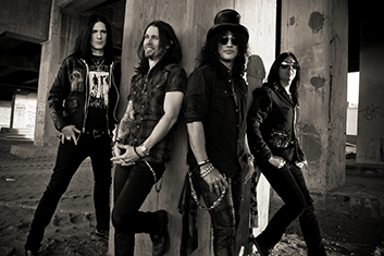 SLASH y THE CONSPIRATORS