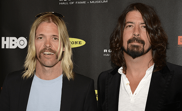 "Dave Grohl y Taylor Hawkins realizan cover de Rush: ""Overture"""