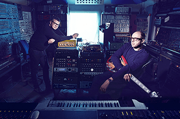 THE CHEMICAL BROTHERS 02